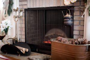 Brennholz dekorativ lagern